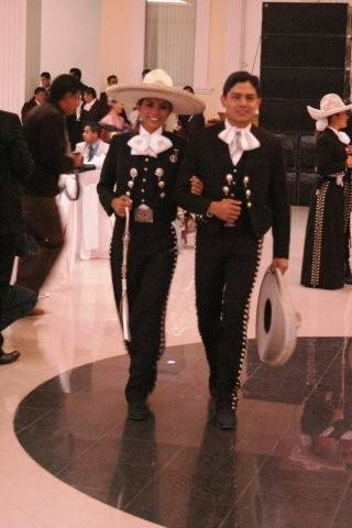 mariachi-black-suits-his-n-hers