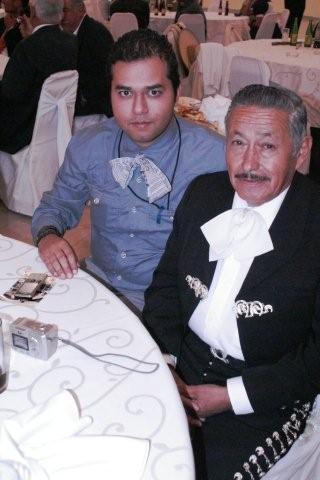 mariachi-hawt-old-dude