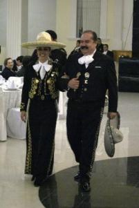 mariachi-woman-dorado-skirt