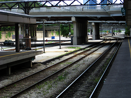 Van Buren Street Station-four tracks and two platforms