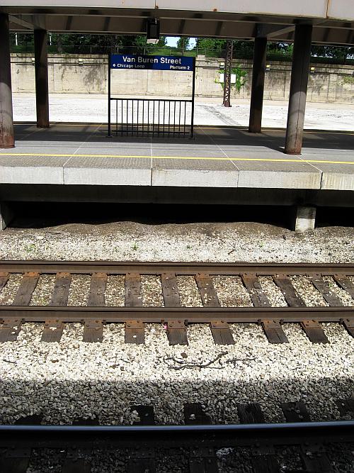 Van Buren Street Station-Platform 2