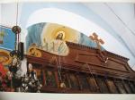 4 christ over altar
